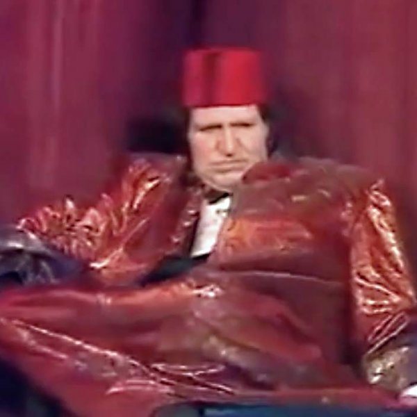 Tommy Cooper dies during his show
